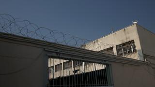 Έφοδος σε κελιά στον Κορυδαλλό: Βρέθηκαν ναρκωτικά, αυτοσχέδια μαχαίρια και κινητά τηλέφωνα