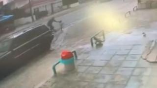 Λευκωσία: Καρέ – καρέ η διάσωση κοριτσιού από αστυνομικό