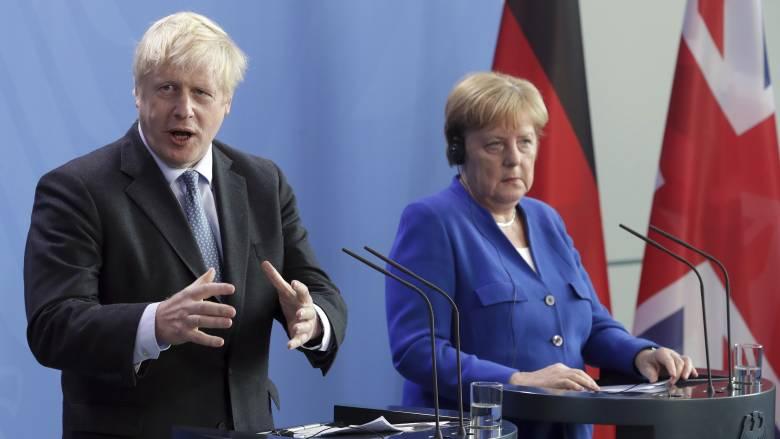 Βrexit: Τζόνσον και Μέρκελ θα εργασθούν αποφασιστικά για την επίτευξη συμφωνίας