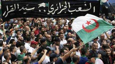 H Αλγερία σε αναβρασμό: Όταν τα fake news φιμώνουν την αλήθεια στα social media