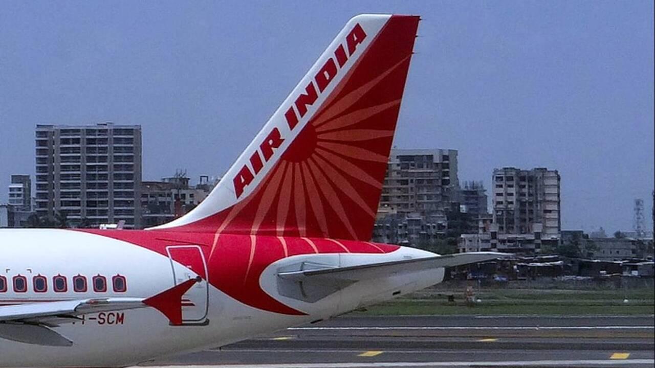 https://cdn.cnngreece.gr/media/news/2019/09/17/190977/photos/snapshot/http___cdn.cnn.com_cnnnext_dam_assets_190917134855-air-india-file-2.jpg