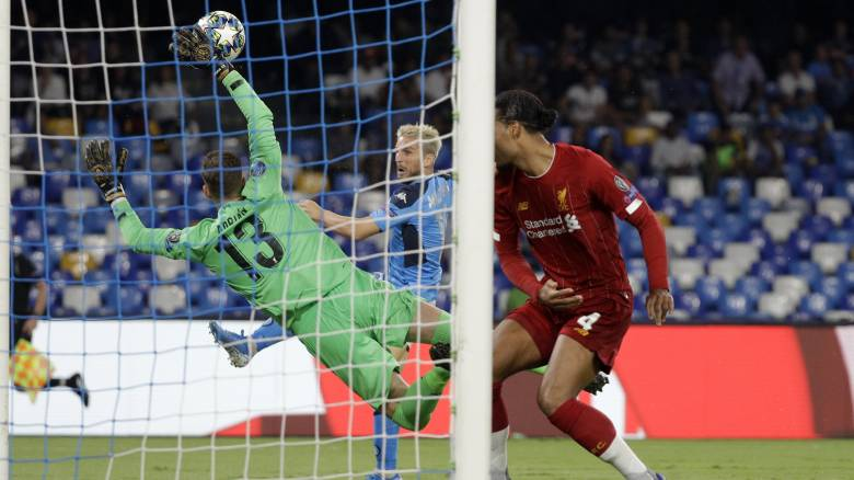 Champions League: «Ανώμαλη προσγείωση» για Λίβερπουλ - Ήττα 2-0 στο φινάλε από τη Νάπολι