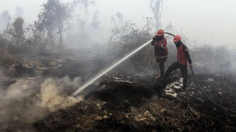 Ινδονησία: «Λουκέτο» στα σχολεία λόγω ρύπανσης από τις πυρκαγιές