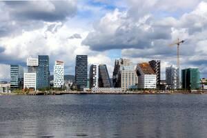6. Νορβηγία:  * 53% είναι ευχαριστημένοι από τις προοπτικές σταδιοδρομίας τους * 64% είναι γενικά ικανοποιημένοι από τη δουλειά τους * 84% αξιολογούν θετικά την κατάσταση της οικονομίας * 81% είναι ευχαριστημένοι από τις ώρες εργασίας τους * 71% είνα