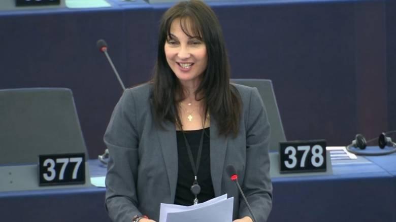 Ομιλία της Έλενας Κουντουρά για τον καρκίνο του  μαστού στην Ολομέλεια του Ευρωπαϊκού Κοινοβουλίου