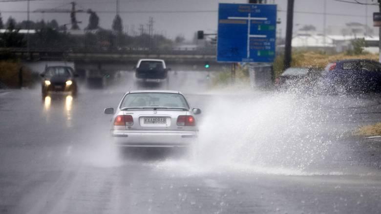 Καιρός: Καλοκαίρι τέλος - Βροχές, καταιγίδες και χαλάζι σήμερα
