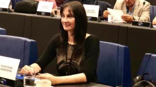 Ερωτήσεις Ελ. Κουντουρά σε Κομισιόν για περιστατικά βίας κατά γυναικών και ενδοοικογενειακή βία