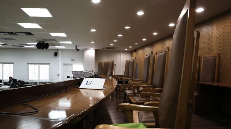 Θεσσαλονίκη: Δικηγόρος πέθανε στην είσοδο του Δικαστικού Μεγάρου