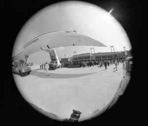 1973, Ντάλας. Το γαλλο-βρετανικό Κονκόρντ φτάνει στο αεροδρόμιο του Ντάλας, στην πρώτη του εμφάνιση επί αμερικανικου εδάφους.