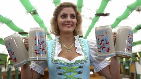 Oktoberfest: Η μεγαλύτερη γιορτή μπύρας άνοιξε τις πύλες της