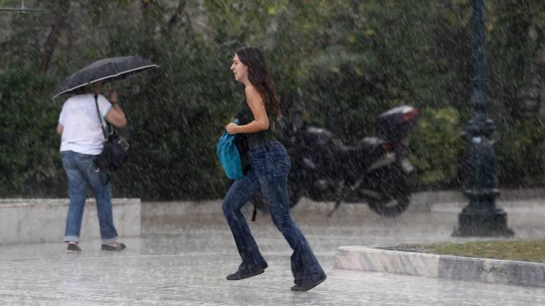 Καιρός: Βροχές και καταιγίδες τις επόμενες ώρες