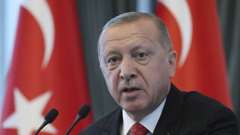 Handelsblatt: Η Τουρκία επέβαλε αλλαγές στη συμφωνία με την ΕΕ για το προσφυγικό