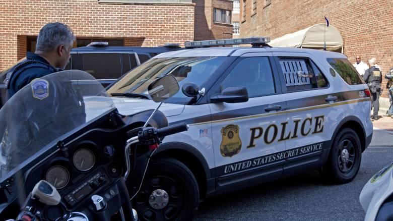 ΗΠΑ: Αστυνομικός συνέλαβε δύο 6χρονα παιδιά μέσα στο σχολείο τους