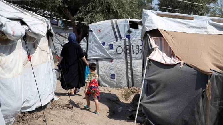 Προσφυγικό: Δραματικές συνθήκες και τραγωδία με 5χρονο παιδί στη Μόρια