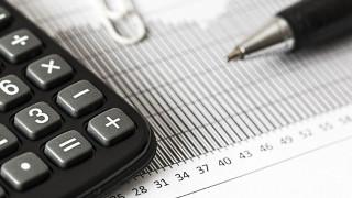 Πιέζουν οι τράπεζες για απαλλαγή των πωλήσεων δανείων από τον ΦΠΑ