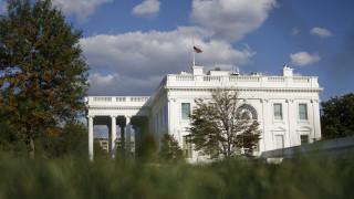Ο μάρτυρας που αποκάλυψε τη συνομιλία Τραμπ - Ζελένσκι φέρεται να ανήκει στη CIA