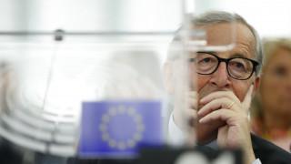 Γιούνκερ: Η Βρετανία θα φέρει την αποκλειστική ευθύνη σε περίπτωση άτακτου Brexit