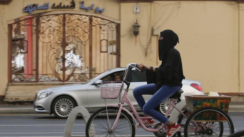 Η Σαουδική Αραβία εκδίδει για πρώτη φορά τουριστικές βίζες