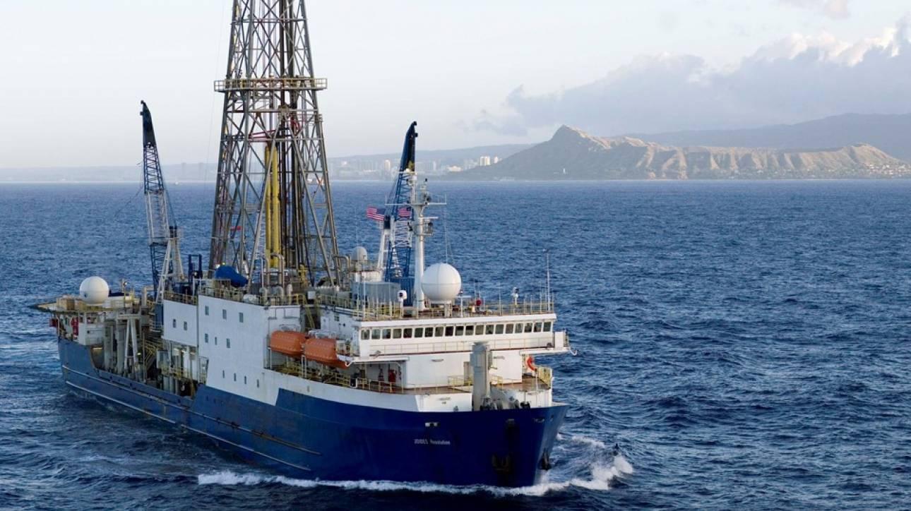 Αναζητούνται απαντήσεις: Υποθαλάσσεις γεωτρήσεις για να μελετηθεί το ηφαίστειο της Σαντορίνης