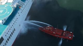Ηγουμενίτσα: Η επιχείρηση κατάσβεσης της πυρκαγιάς στο πλοίο Olympic Champion από ψηλά
