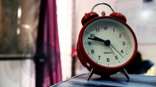 Δείτε πότε θα αλλάξει η ώρα