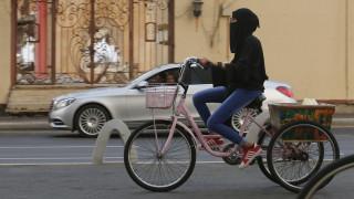 Τουριστικό άνοιγμα της Σαουδικής Αραβίας με πρόστιμα για 19 παραβάσεις