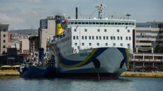 Πρόσκρουση πλοίου στο λιμάνι της Σητείας - Ταλαιπωρία για τους επιβάτες