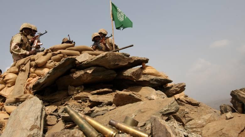 Επίθεση των Χούτι στη Σαουδική Αραβία – Αιχμαλώτισαν αξιωματικούς του στρατού