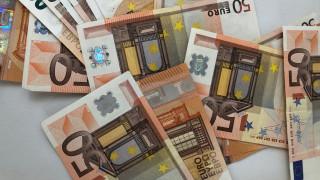 ΟΠΕΚΑ: 1.000 ευρώ επίδομα σε μητέρες - Δείτε αν το δικαιούστε