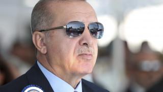 Ο Ερντογάν, οι «φίλοι» που έγιναν «εχθροί» και η οικονομία που τρεκλίζει