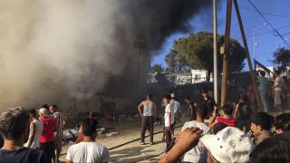 Φωτιά στη Μόρια: Ταυτοποιήθηκε η νεκρή - Φόβοι ότι στη φωτιά πέθανε και το μωρό της