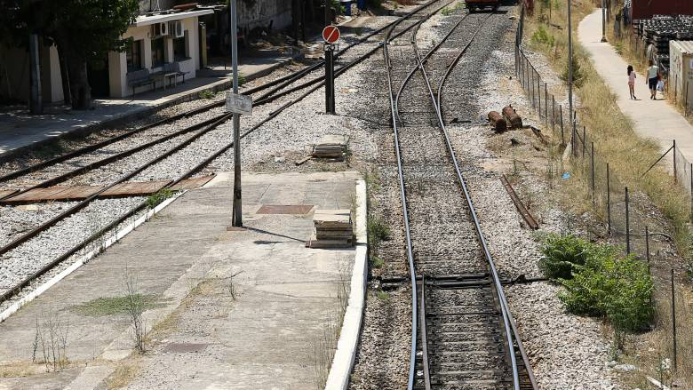 Δομοκός: Φρικτός θάνατος για 55χρονο - Ακρωτηριάστηκε στις γραμμές του τρένου