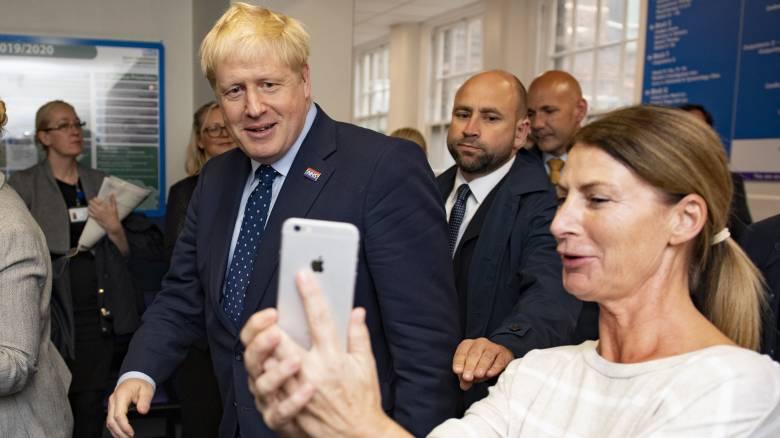 «Στοιχειώνουν» τον Μπόρις Τζόνσον οι καταγγελίες για σεξουαλική παρενόχληση - Επισκιάζουν το Brexit