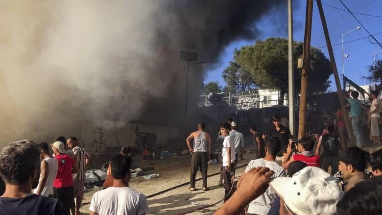 Φωτιά στη Μόρια: Δεν εντοπίστηκαν ίχνη εμπρησμού - Δικογραφία κατά μεταναστών για τον «πετροπόλεμο»
