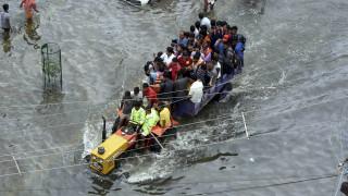 Ινδία: Πάνω από 100 νεκροί από τις πλημμύρες των μουσώνων