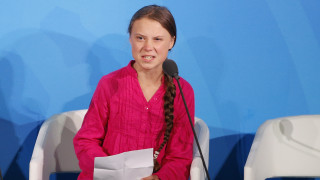 «Πρέπει να την πυροβολήσουμε»: Απέλυσαν πρόεδρο μουσείου που παρακινούσε να σκοτώσουν την Τούνμπεργκ