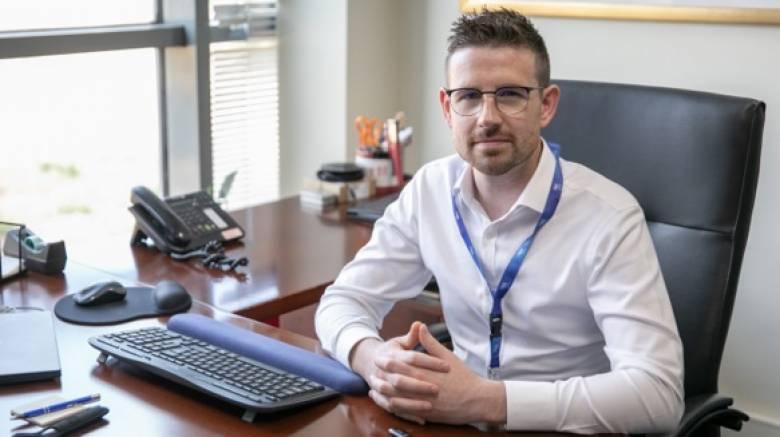 Dr Grant O'Connell: Το myblu™ φέρνει «κάτι καλύτερο» στο άτμισμα και τη ζωή των καπνιστών