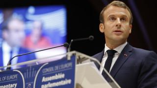 Μακρόν: Πρέπει να γίνουν μεταρρυθμίσεις για τις μεταναστευτικές ροές και το άσυλο