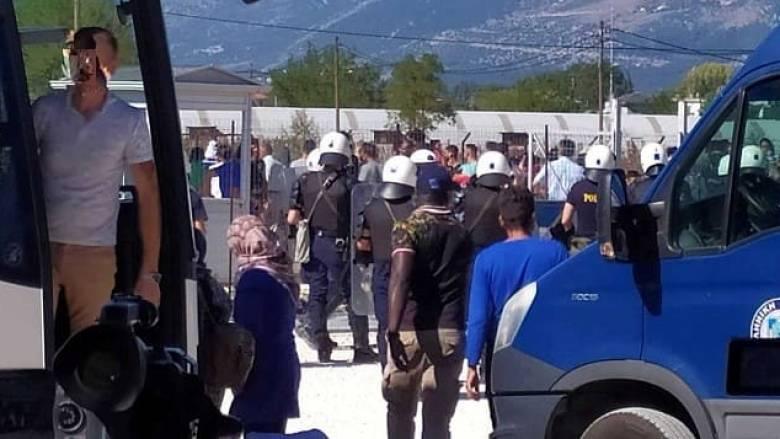 Γιάννενα: Πετροπόλεμος και ένταση στον καταυλισμό Κατσικά λόγω της έλευσης προσφύγων από τη Μόρια