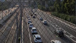 Απεργία: Κομφούζιο στην Αττική Οδό – Ουρές χιλιομέτρων και ταλαιπωρία