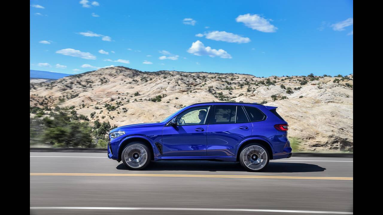 https://cdn.cnngreece.gr/media/news/2019/10/02/192569/photos/snapshot/BMW-X5--X6-M-12.jpg