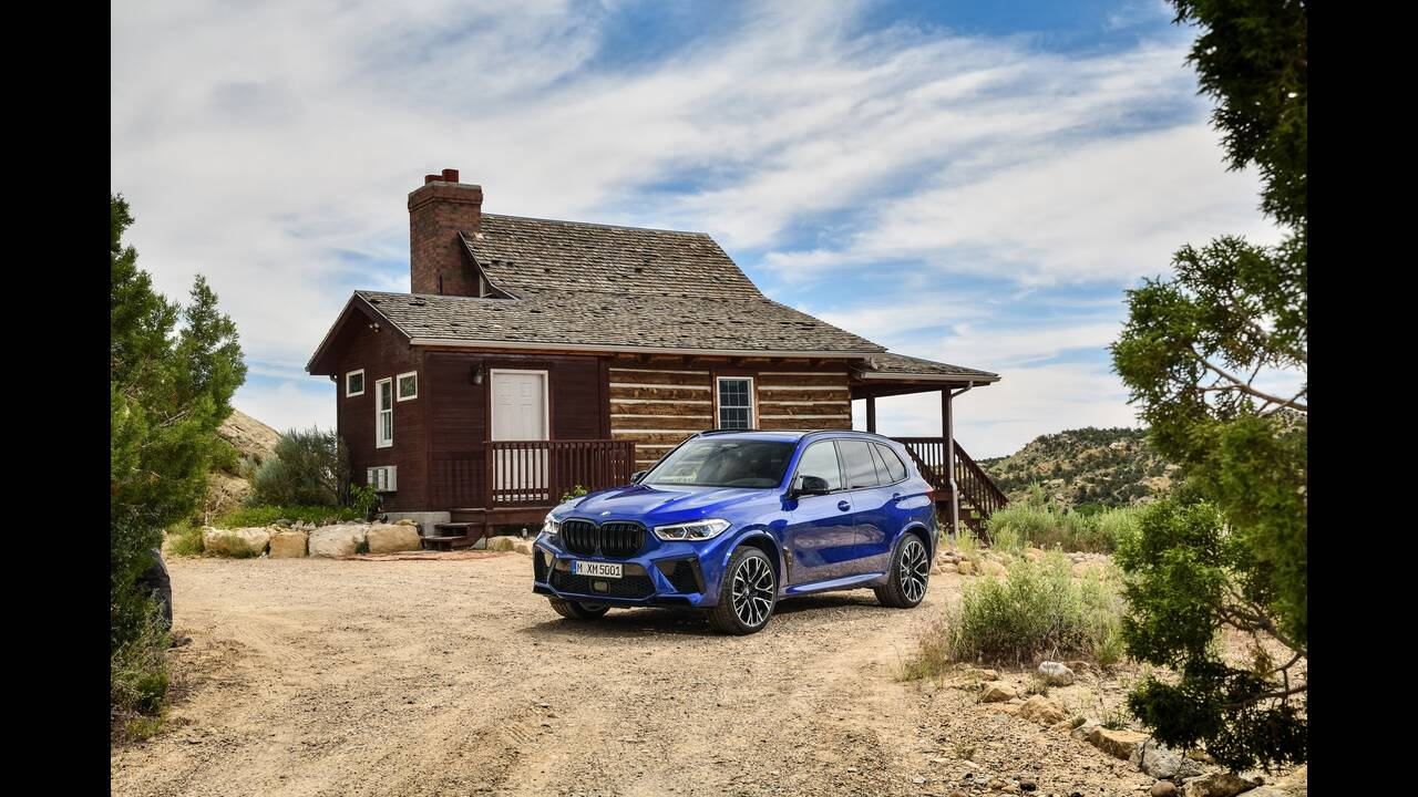 https://cdn.cnngreece.gr/media/news/2019/10/02/192569/photos/snapshot/BMW-X5--X6-M-13.jpg