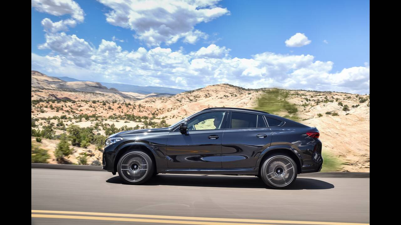 https://cdn.cnngreece.gr/media/news/2019/10/02/192569/photos/snapshot/BMW-X5--X6-M-25.jpg