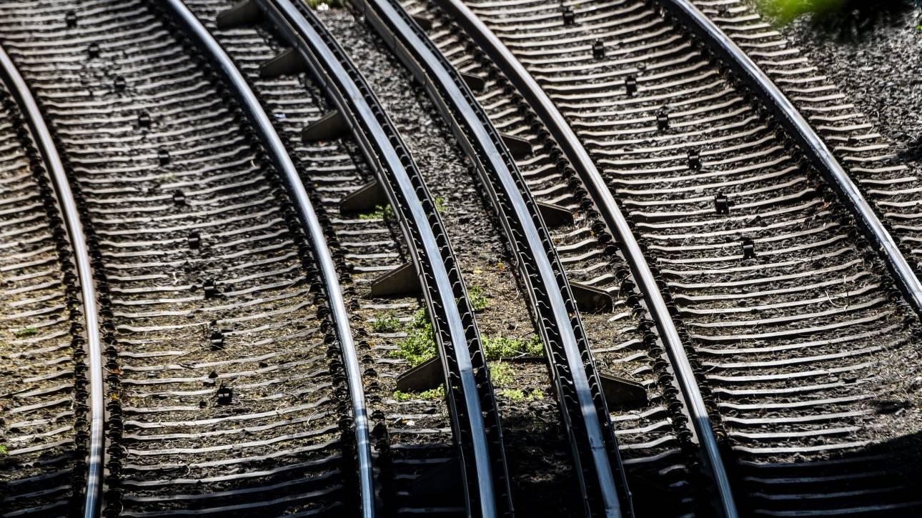 Χειρόφρενο σηκώνουν τρένα και προαστιακός την Πέμπτη