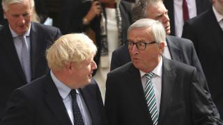 Brexit: H πρόταση Τζόνσον σε Γιούνκερ για το backstop