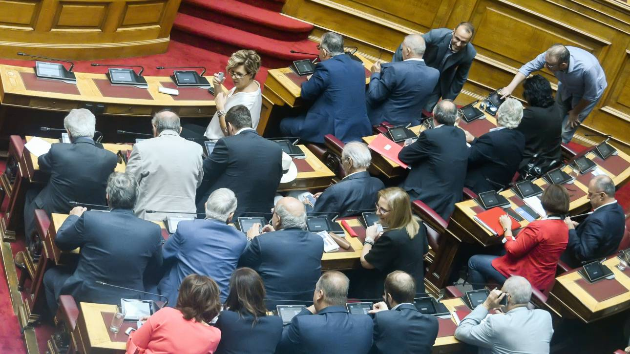 «Αντάρτικο» για τους υδρογονάνθρακες από τέσσερις βουλευτές του ΣΥΡΙΖΑ