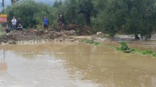 Υδροστρόβιλοι και πλημμύρες: Προβλήματα σε πολλές περιοχές της χώρας από την κακοκαιρία