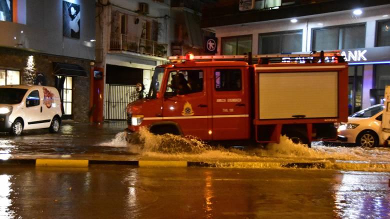 Κακοκαιρία: Προβλήματα στην Ηγουμενίτσα – Πλημμύρισαν δρόμοι
