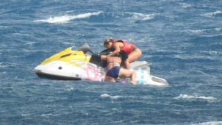 Εντυπωσιακή διάσωση στην Κρήτη: Ναυαγοσώστρια με τζετ σκι έσωσε τουρίστρια