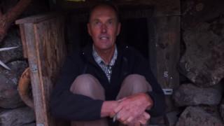 Νταν Πράις: Ο άνθρωπος που ζει σαν… χόμπιτ τα τελευταία 20 χρόνια!